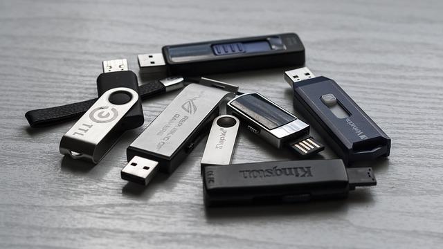 Memory stick 1267620 640